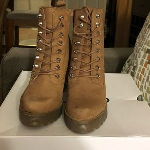 Aldos tan booties size 7 in great condition